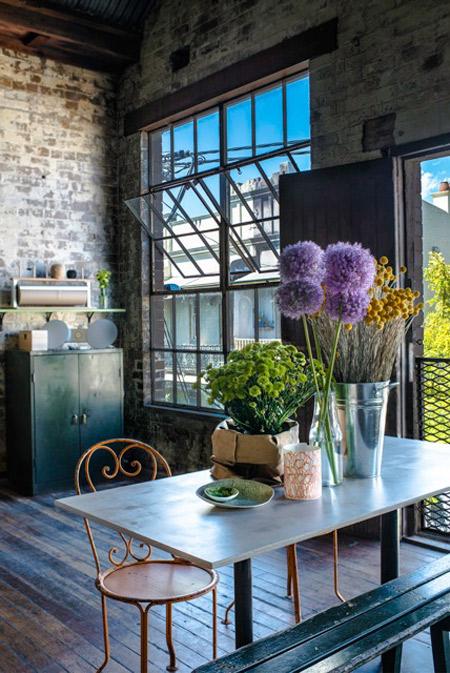 Oconnell Street Merchants Windows Flowers
