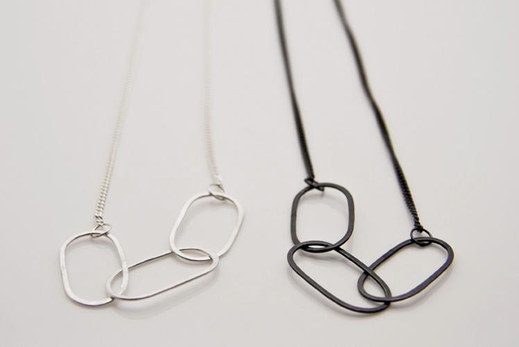 Alison Jackson open chain necklace