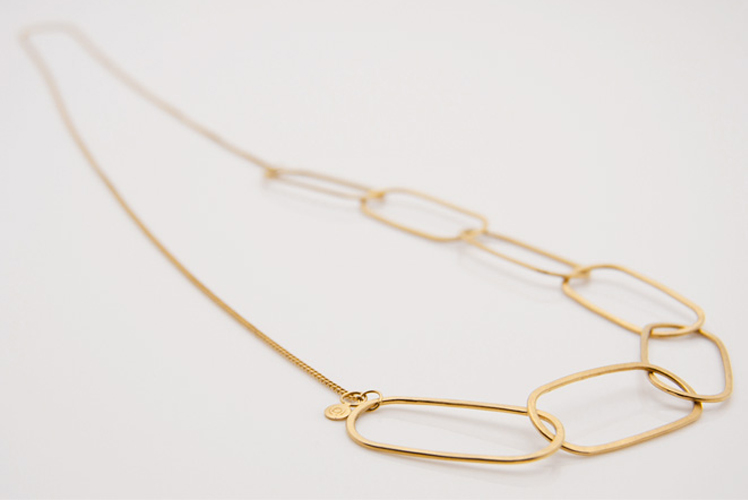 Alison Jackson open chain necklace