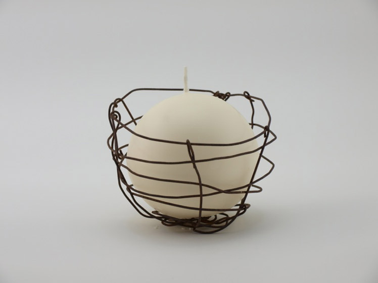 Nesska rusted wire bowl candle
